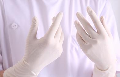 手袋や紙コップは使い捨て